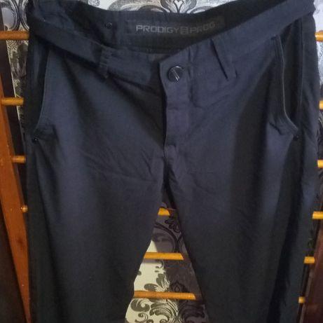 Фирменные брюки в отличном состоянии