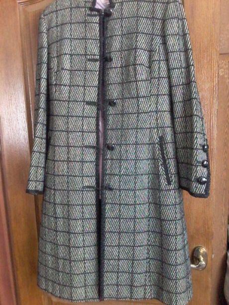Женское пальто, 48р. цена снижена