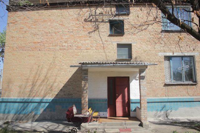 Продам 2-км квартира в центрі Устинівки