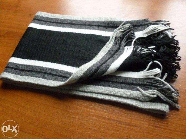 Теплый качественный мужской шарф длиной 150 см.