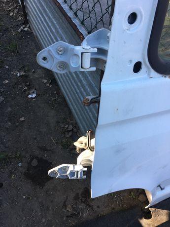 Zawiasy drzwi lewy przód Renault Master II