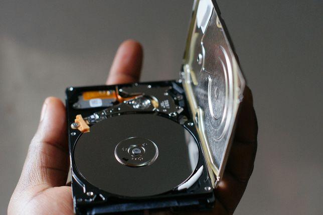 Wymiana dysku twardego HDD SSD w laptopie - serwis Laptop SOS