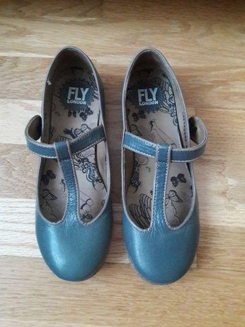 Sapatos novos da Fly London, cor cinza, tamanho 36