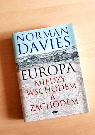 Książka Norman Davis - Europa między Wschodem a Zachodem