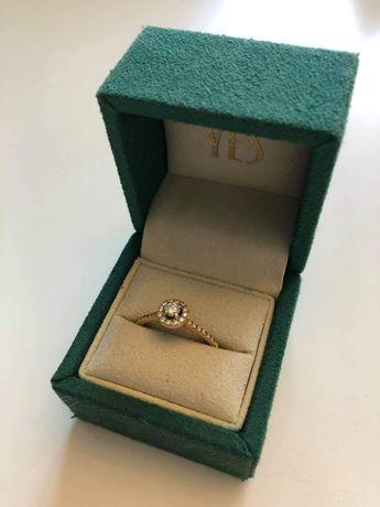 Pierścionek złoty diamentowy firmy YES rozmiar 17