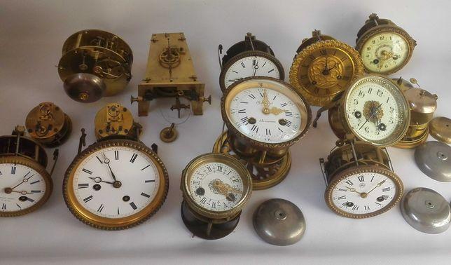 Заводной часовой ключ,маятник,циферблат,стрелки,механизм часовой