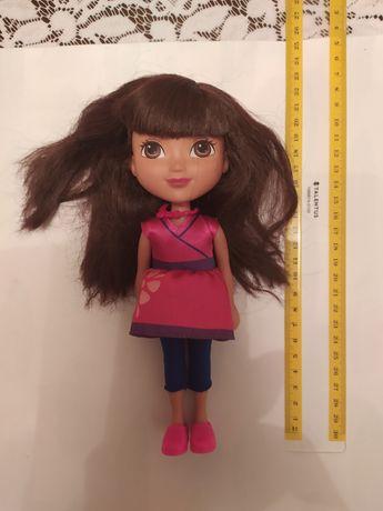 Lalka Dora bardzo ładna