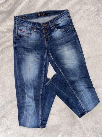 Продам джинсы скинни 26р