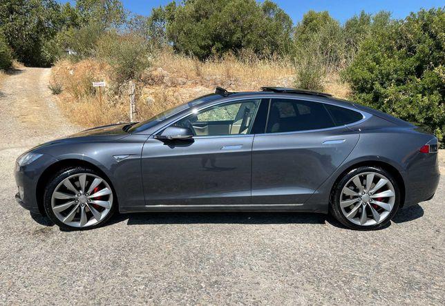 Tesla Model S P85D Performance 2015