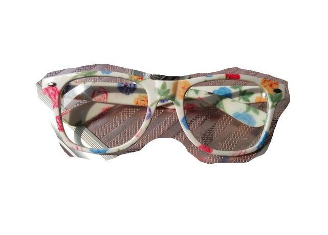 Очки безцветные простые стёкла
