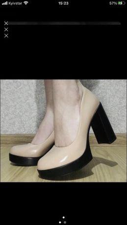 Лакові туфли , нові брендові