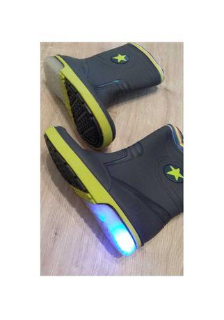 Резиновые сапоги со светящейся подошвой от lupilu, р.28-29 код r2803