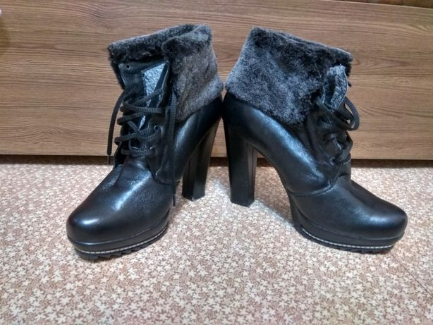 Зимние ботинки 2000 руб.