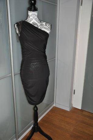 Sukienka dopasowana czarna