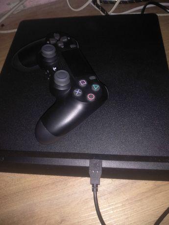 PlayStation 4 slim 1Tb +25игр и подписка PlayStation plus на год