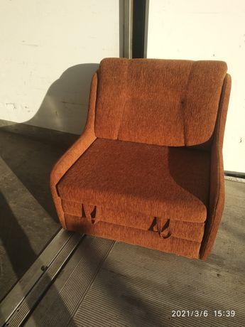 Fotel rozkładany, możliwy transport