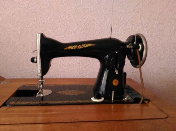 Швейная машина М-2 с электроприводом