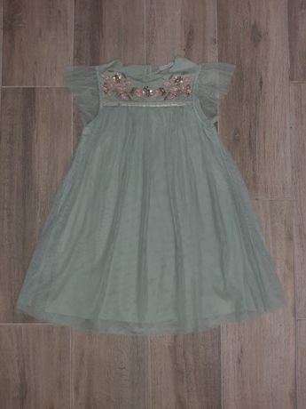 Фатиновое платье с вышивкой на 7лет