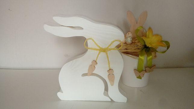 Zajączek z marchewkami Wielkanoc dekoracja drewno