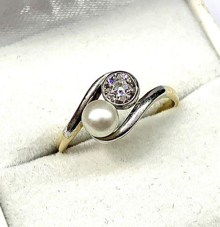 Piękny pierścionek z diamentem oraz perłą - złoto i platyna - OKAZJA
