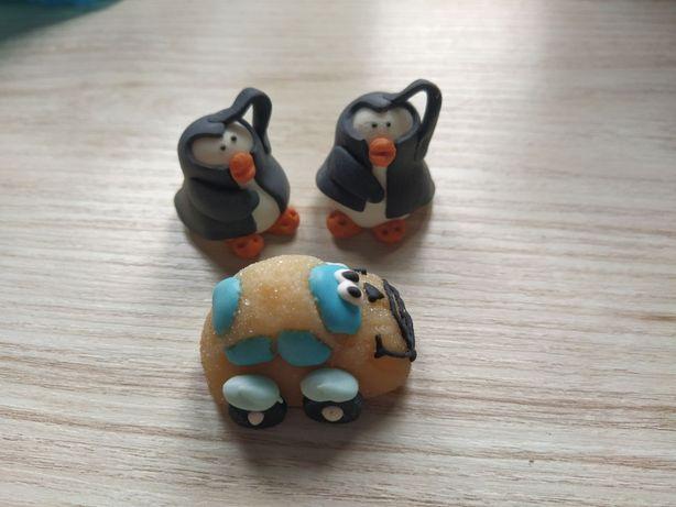 3 figurki cukrowe ozdoby na ciasto 2 pingwiny i samochód
