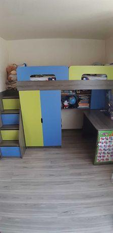 Кровать-чердак, шкаф, стол, ступени-ящики