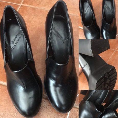 Sapatos pretos ( usado só uma vez) n37-38
