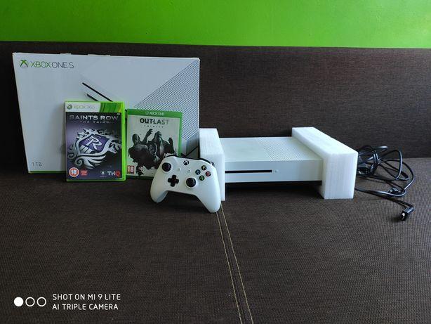 Konsola Xbox One S 1 TB Jak nowa!!! + 2 gry