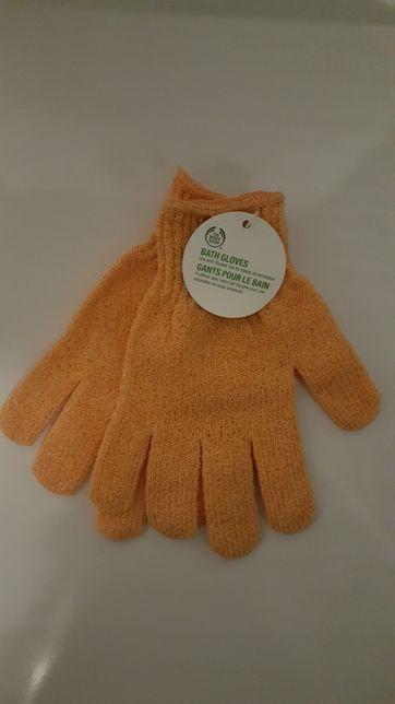 Body Shop rękawiczki peelingujące