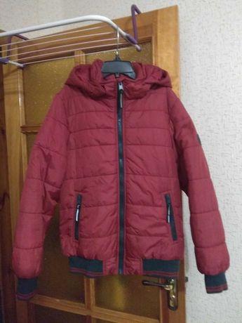 Демисезонная куртка для мальчика р.140 см