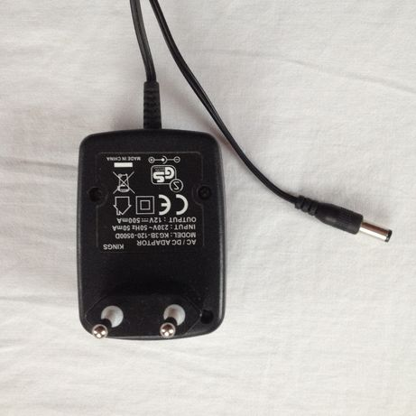 Zasilacz 12V 500mA , wtyk 5,5 mm - plus w środku