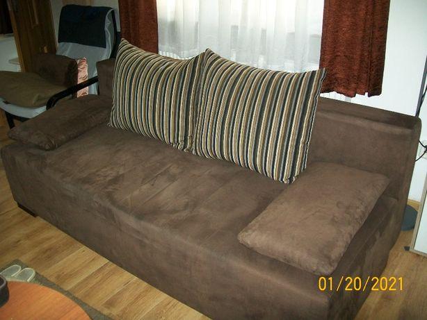 Sofę rozkładaną sprzedam.