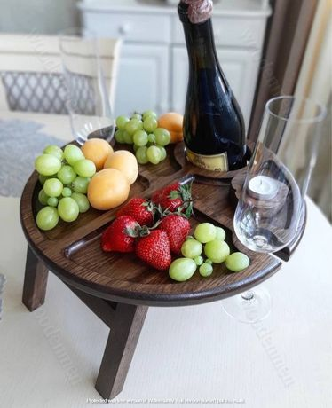 Круглый Винный столик с отверстием для бутылки и 2 для бокалов