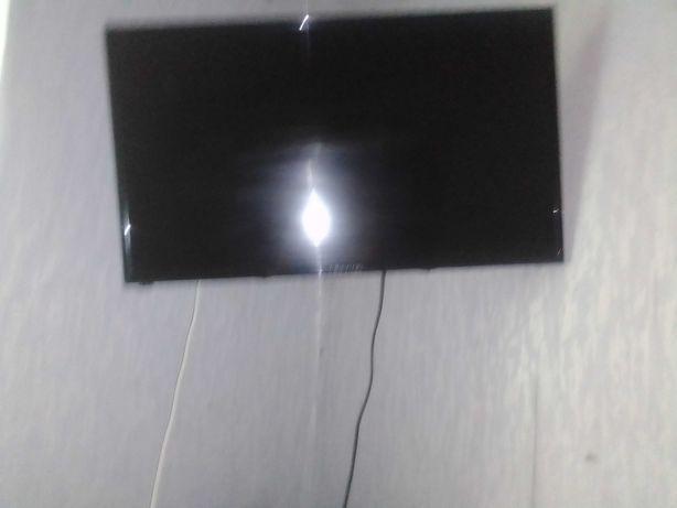 Телевизор Liberton LED TV 32