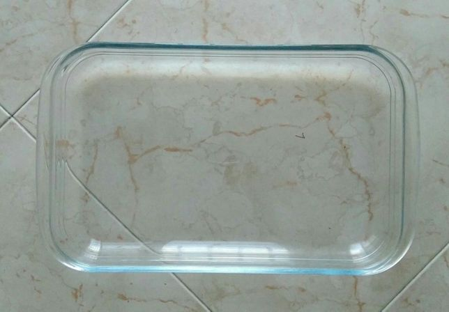 Travessa de forno em vidro