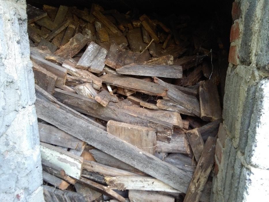 Drewno z rozbiórki