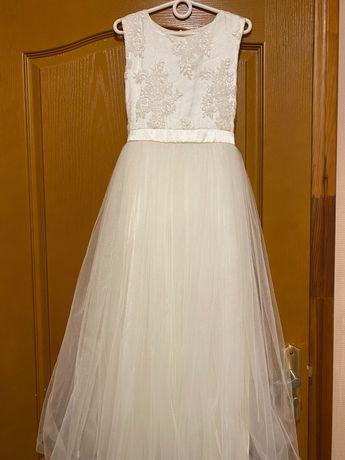Продам нарядное платье (рост 140-146)