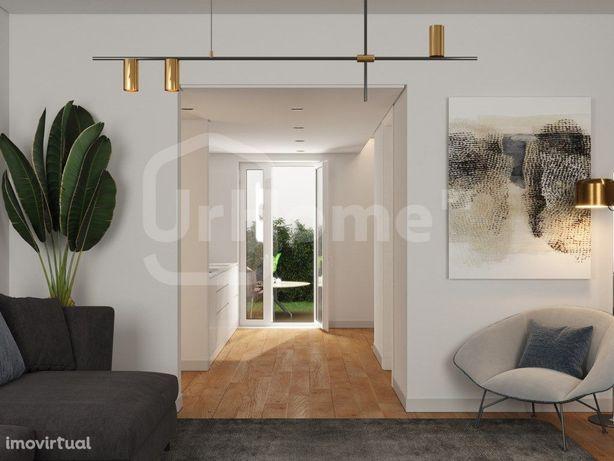 Moderno Apartamento de dois quartos para venda em Alcântara