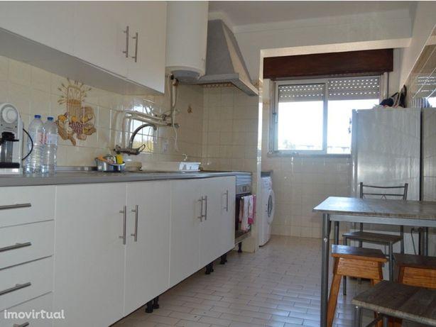Excelente Apartamento T3 em bom estado perto da cidade de...