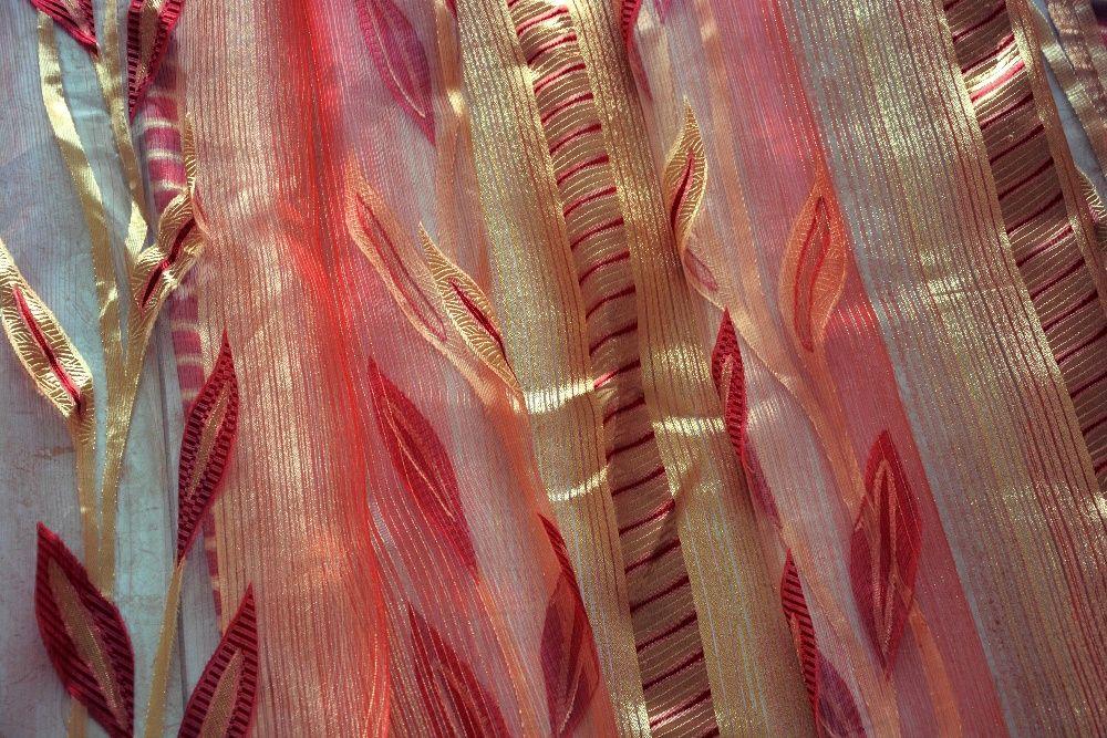 Firana złoto czerwona na taśmie szer 240x230