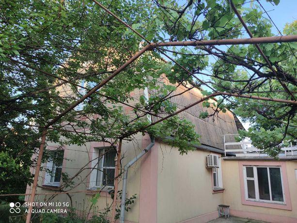 Продам уютный двухэтажный дом, на берегу Азовского моря,  с.Юрьевка