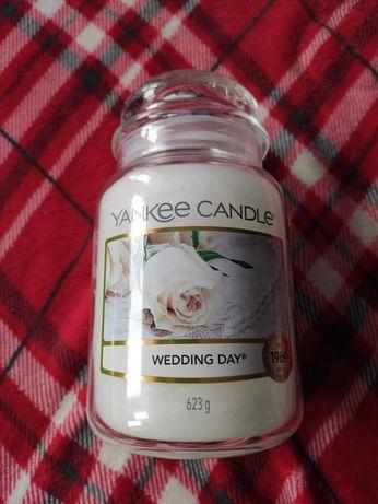 Nowa duża świeca Yankee Candle Wedding Day 623 g