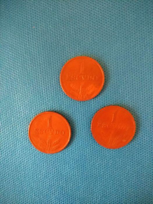 3 Moedas antigas de 1$00