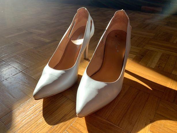 Bardzo ładne skórzane skóra szpilki buty ślubne rozmiar 38 Poznań