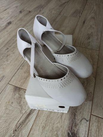 Sandałki roz 37  )