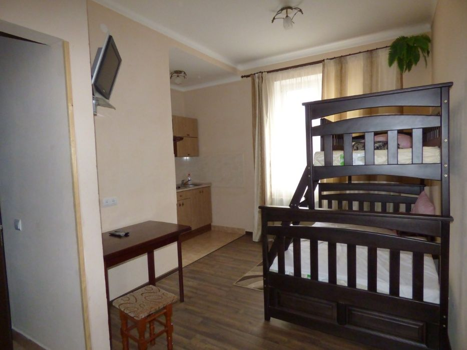 Хостел біля Вокзалу (Приватні номери) вул. Залізнична 7Б-1