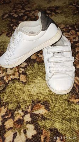Кроссовки белые HM