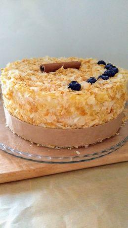 Тортики на будь який смак .