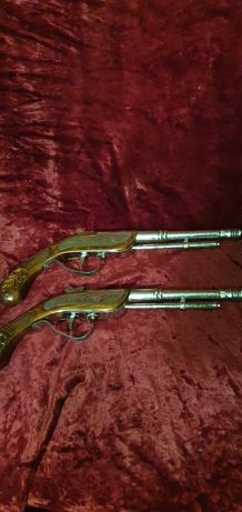 Старинные пистолеты,коллекционные.Ц.2000грн.