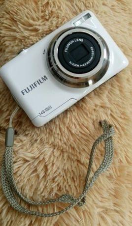 Aparat cyfrowy FujiFilm 14 mega pixeli + GRATIS